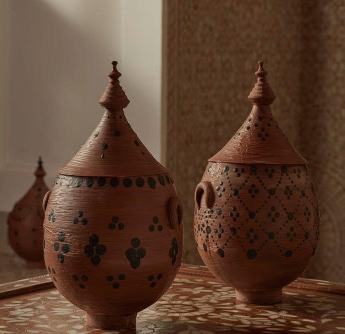 Royal Mansour Marrakech cria ovo de Páscoa em homenagem às raízes ancestrais da cerâmica berbere