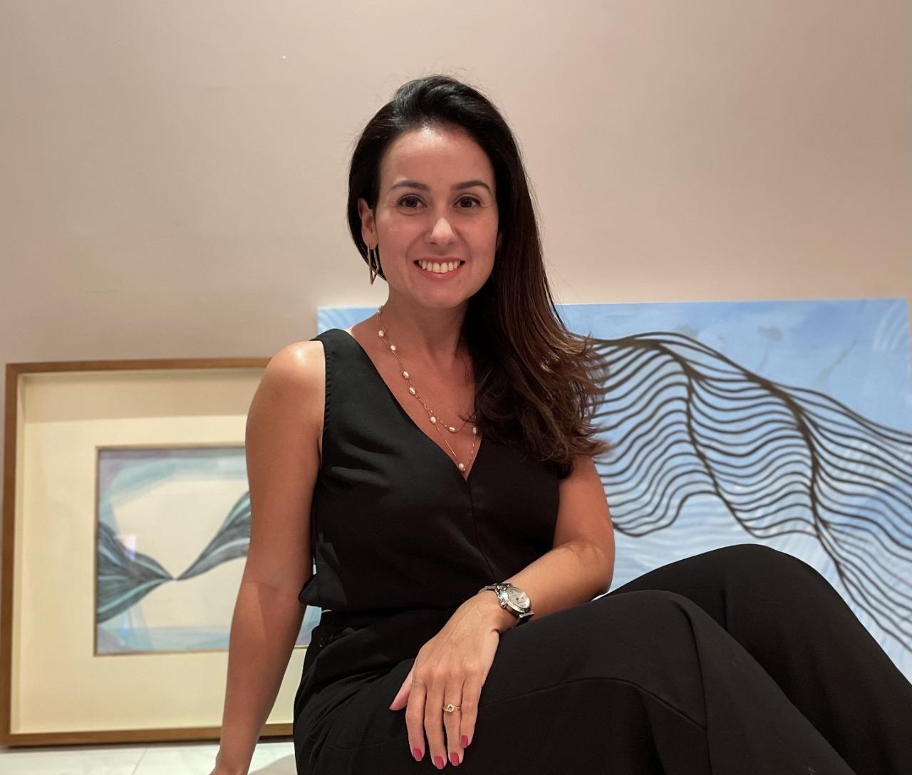 Após se dedicar a arte, Claudiana Loureiro expõe suas obras pela primeira vez em mostra internacional
