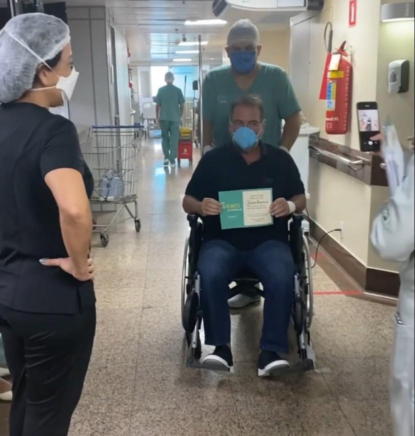 Jório da Escóssia recebe alta hospitalar após vencer a Covid-19