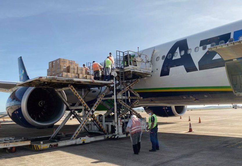 Transporte aéreo de cargas registra alta devido à pandemia e ao e-commerce