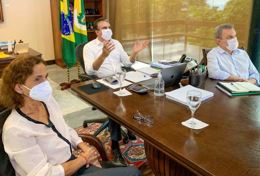Governo do Ceará receberá mais 240.200 doses de vacina da Fiocruz nesta terça