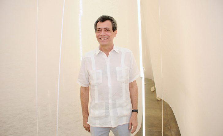 Morre o artista plástico Carlito Carvalhosa aos 59 anos
