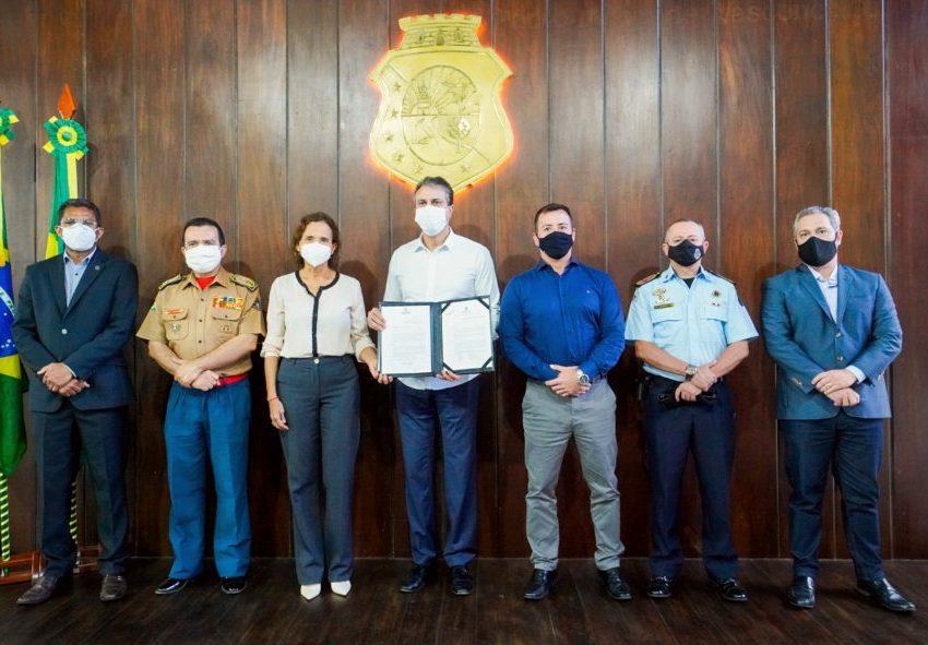 Camilo sanciona leis liberando concursos para 3.074 novos agentes de segurança