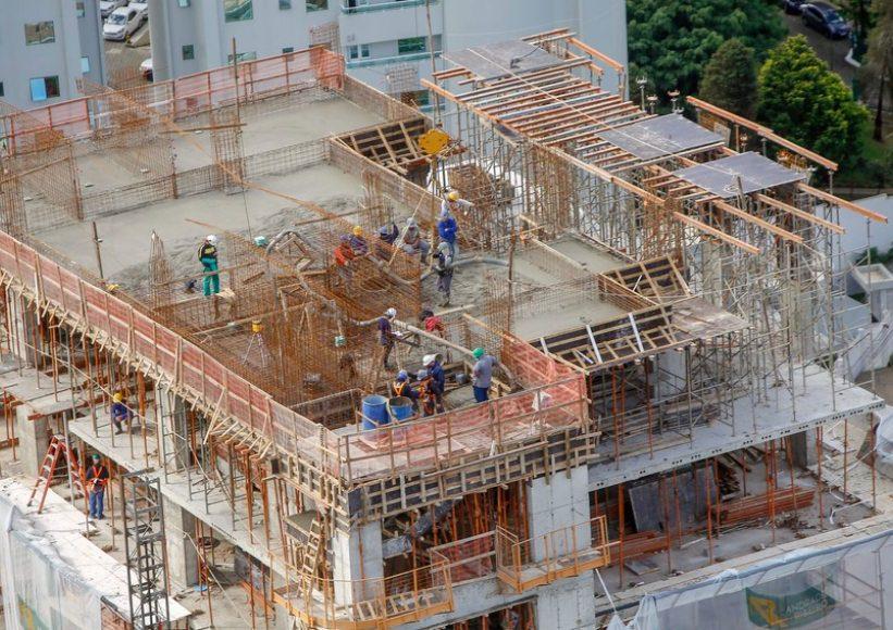 Mercado imobiliário vem em expansão, mas o alto preço dos insumos preocupa