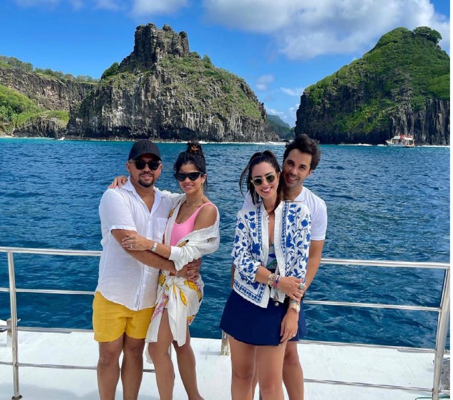 Nicole Pinheiro, Netinho Bayde, Xand e Isabele Temóteo curtem o weekend em Noronha