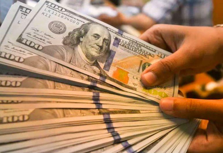 Dólar cai nesta quarta-feira, mas ainda mantém-se acima do patamar de R$ 5,30