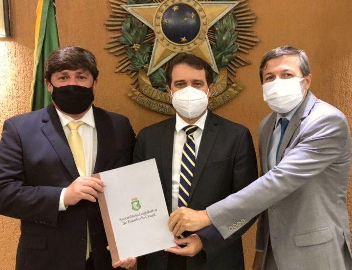 Élcio Batista discute ações pós-pandemia com deputados na Assembleia Legislativa