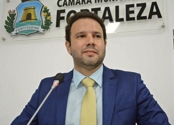 Léo Couto apresenta projeto na CMFor visando ampliar a segurança no trânsito