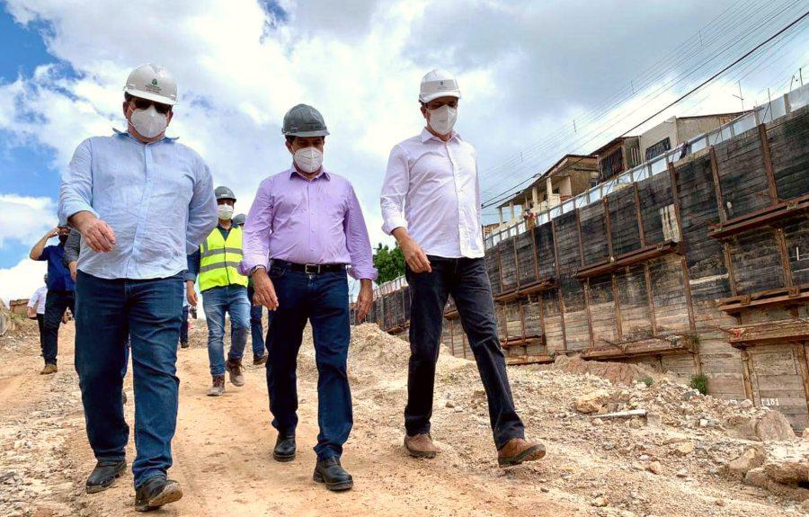 Camilo inspeciona obras do Metrofor junto com Evandro Leitão e Lúcio Gomes