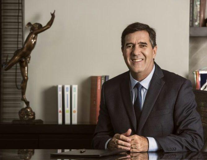 Luiz Gastão reassume a presidência do Sistema Fecomércio-CE e diz que entrou em rota de colisão com a cúpula da CNC
