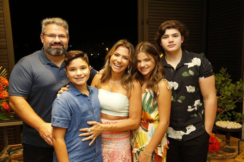 Mario, Deusmar Neto, Vanessa, Natalia E Pedro Henrique Queiros
