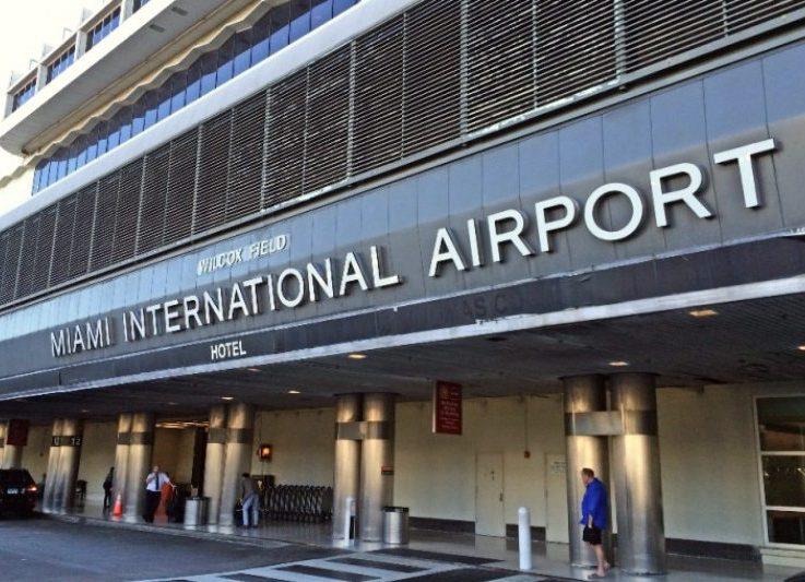 Aeroporto de Miami vai liberar vacinas para quem mora ou trabalha na Flórida