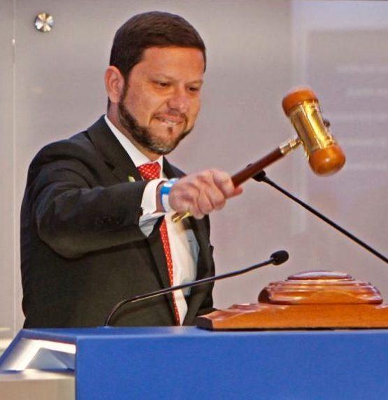 Nicola Miccionne comemora resultado de leilão da Cedae e diz que impactará 12 milhões de pessoas em 35 municípios