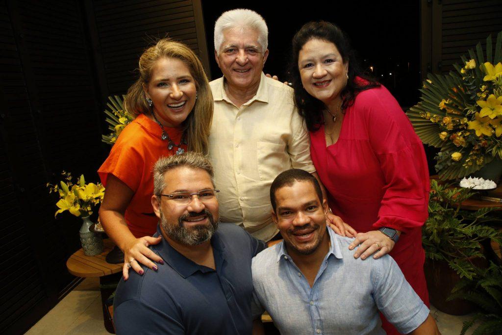 Patriciana, Deusmar, Rose, Mario E Caca Queiros