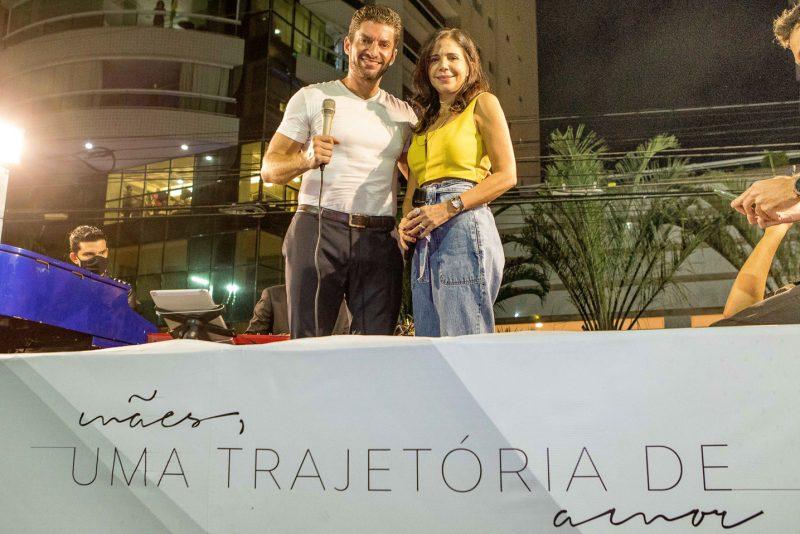 Special Moment - Lenita e Paulo Benevides promovem show itinerante em homenagem ao Dia das Mães