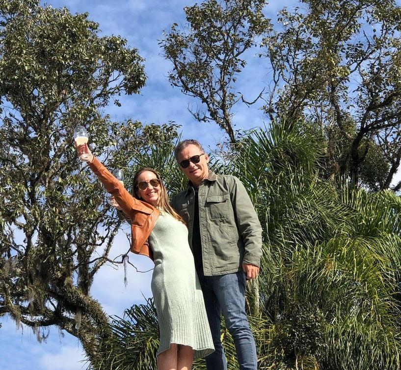 Denise Pinheiro e Carlos Pimentel exploram o Vale dos Vinhedos, na Serra Gaúcha