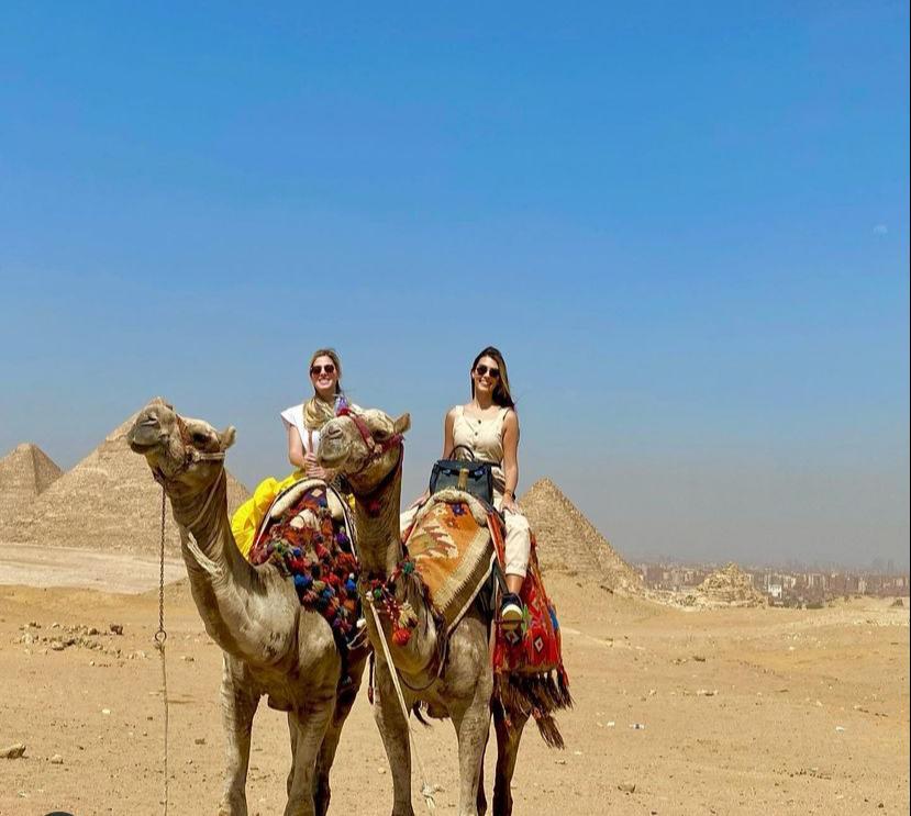 Sarah Castro e Camila Melo desbravam as belezas do Egito