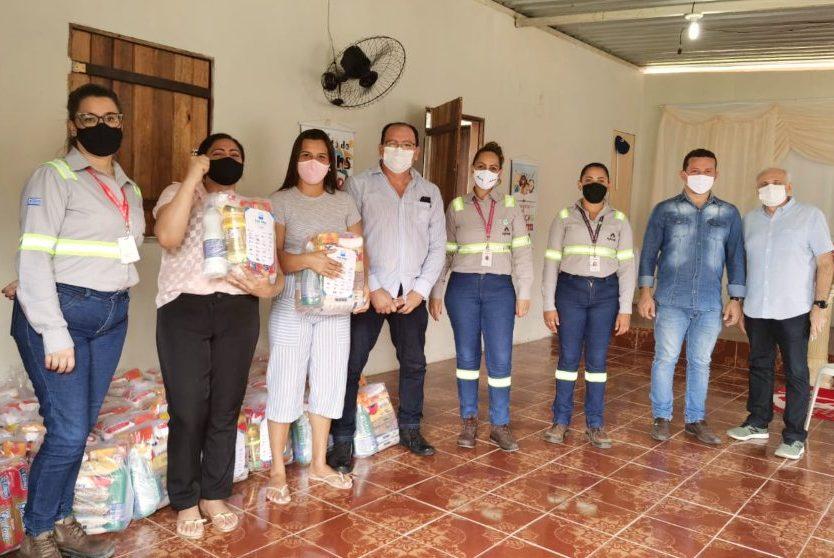 Cimento Apodi realiza doação de cestas básicas para comunidade no Pecém