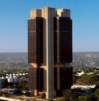 Mercado financeiro aumenta de 4,85% para 5% a projeção de expansão do PIB