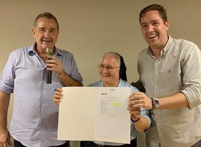Eduardo Bismarck celebra 65 anos de fundação do Hospital e Maternidade Santa Luiza de Marilac, em Aracati