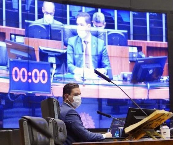 Eduardo Bismarck trabalha firme em Brasília, para o desenvolvimento do País