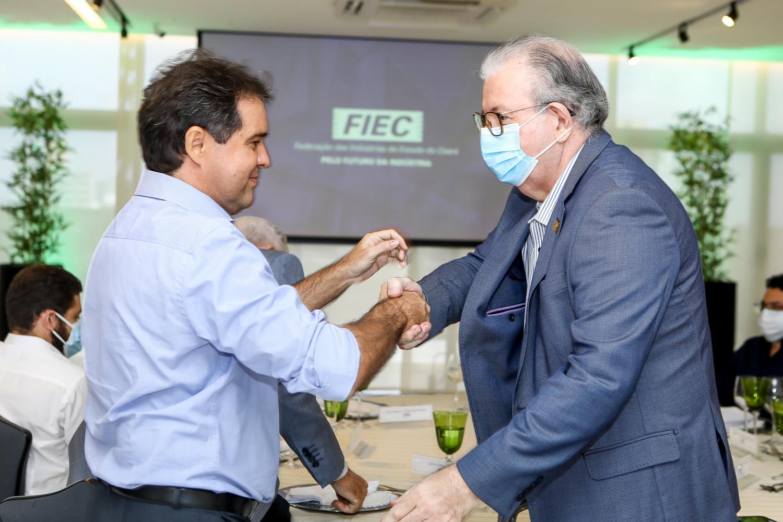 Ricardo Cavalcante recebe o presidente da AL, Evandro Leitão, e comitiva de parlamentares na FIEC