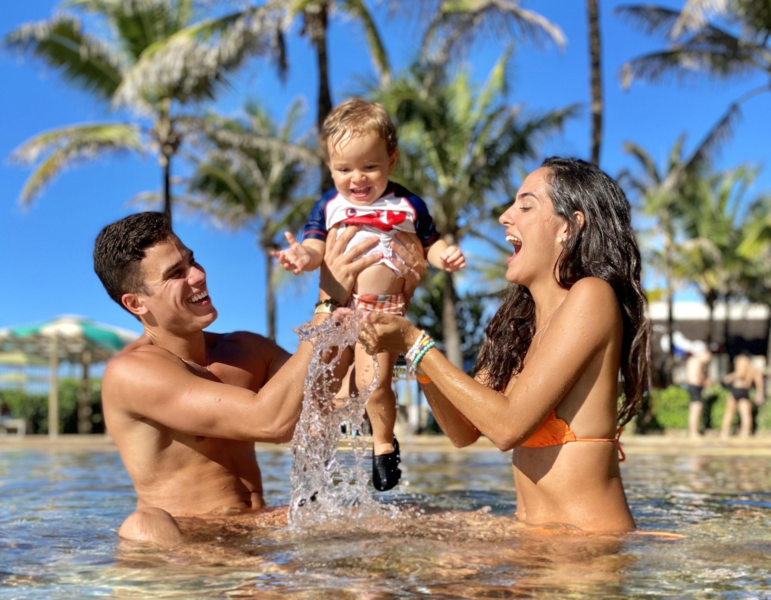 Maria e Marcos Lessa levam o pequeno Miguel para conhecer o Beach Park