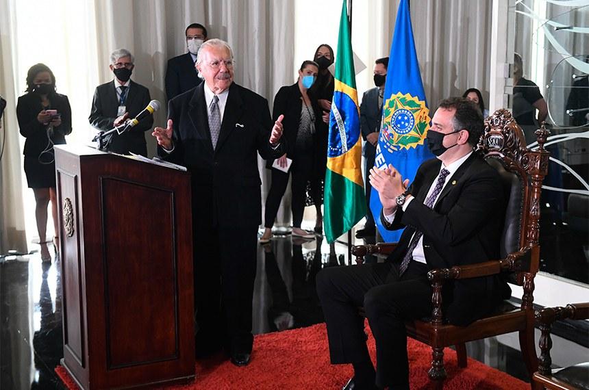Ex-presidentes do Senado Federal, Mauro Benevides e Eunício Oliveira participam de homenagem a José Sarney