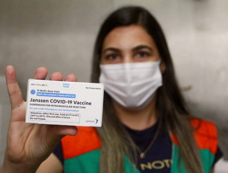 Ceará recebe 270.900 doses de vacinas contra a Covid-19, inclusive da Janssen