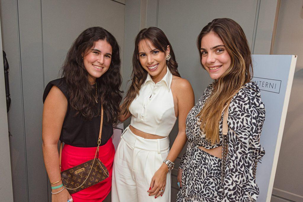 Lara Albuquerque, Nicole Vasconcelos E Sofia Jereissati