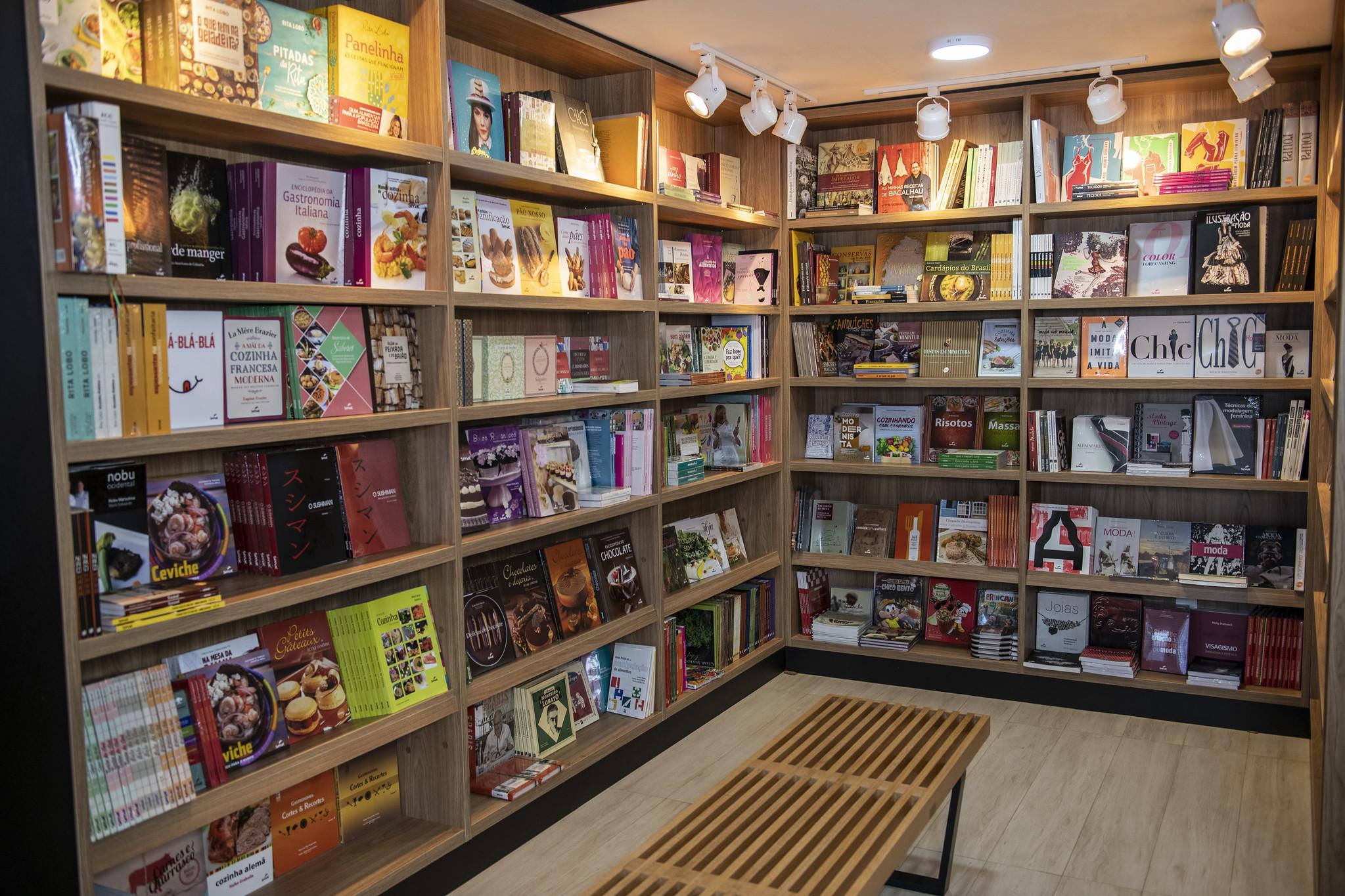 Livraria Senac promove bazar de São João com até 80% de desconto