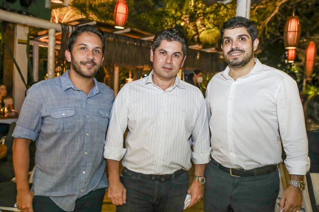 Rodrigo Cabo, Pompeu Vasconcelos E Fernando Laprovitera