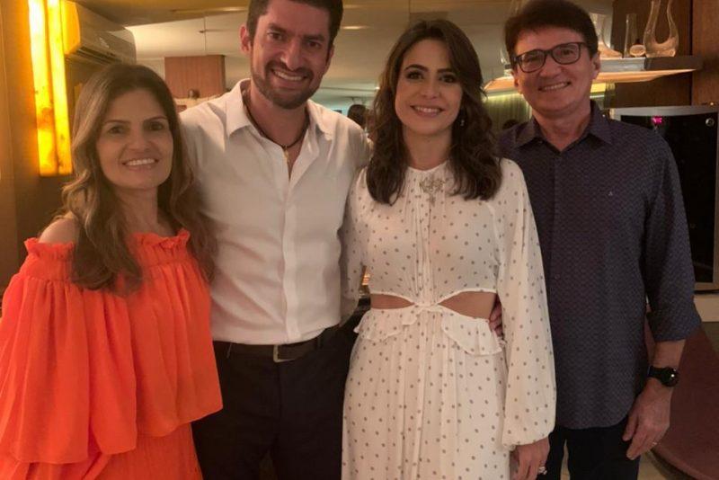 Love is in the air - Camila e Paulo Benevides renovam os votos de casamento em cerimônia intimista