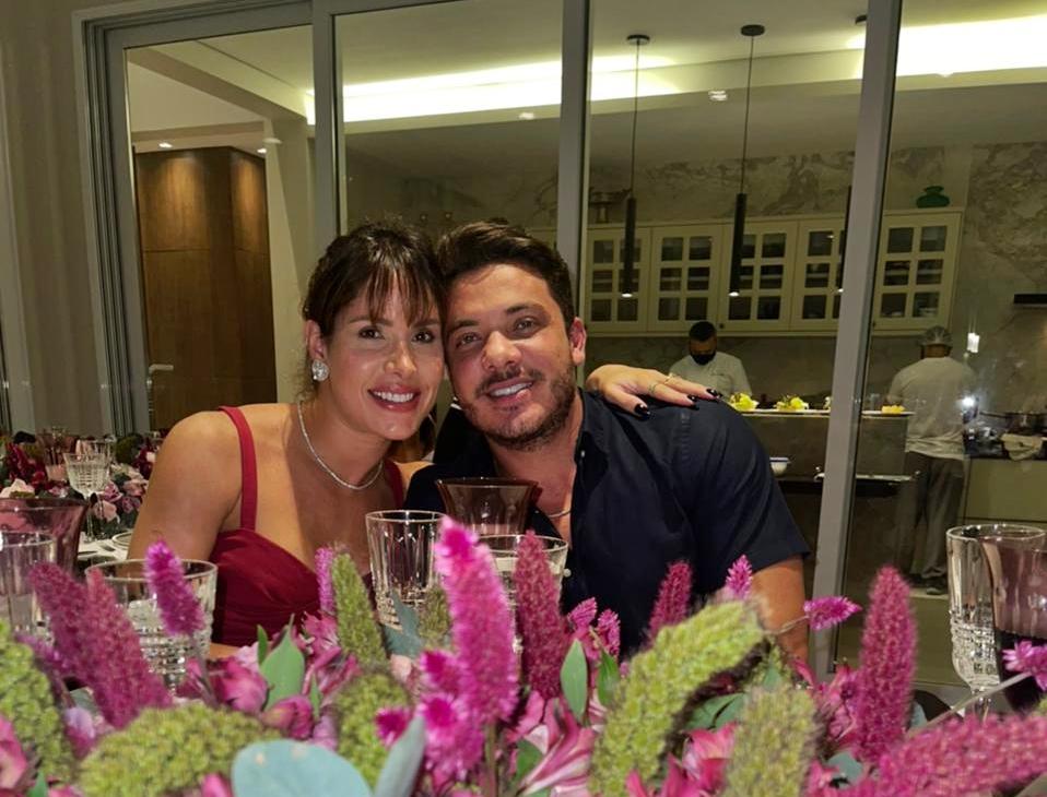 Thyane Dantas e Wesley Safadão promovem jantar assinado pela Toca Fina Cozinha