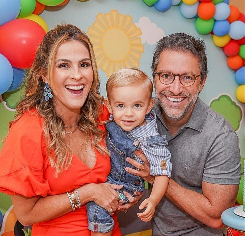 Mariana Mota e Francisco Marinho festejam o segundo aniversário do caçula Rafael