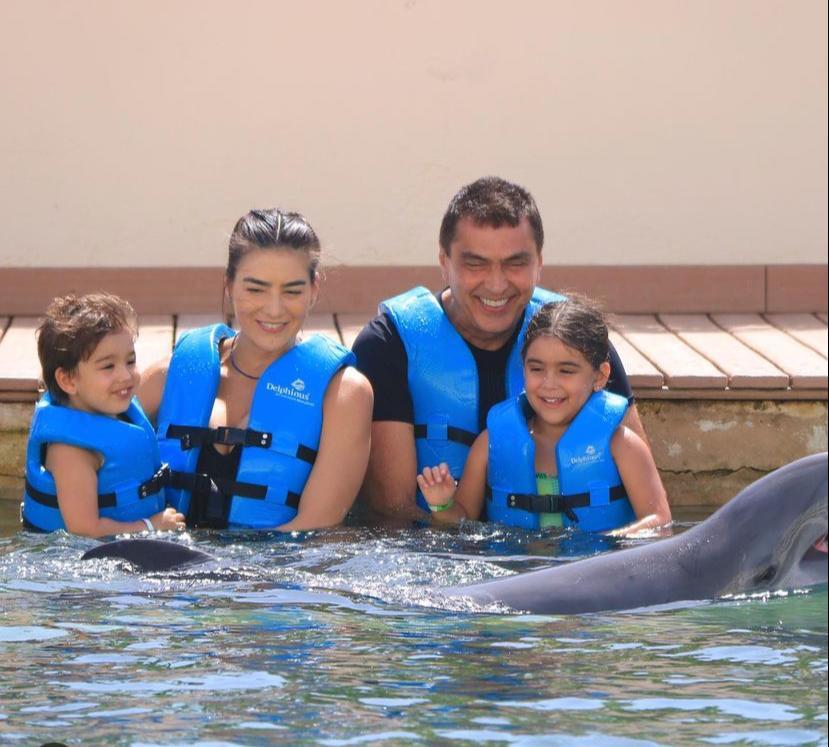 Maryana Canamary e Idezio Rolim curtem Cancun com os filhos