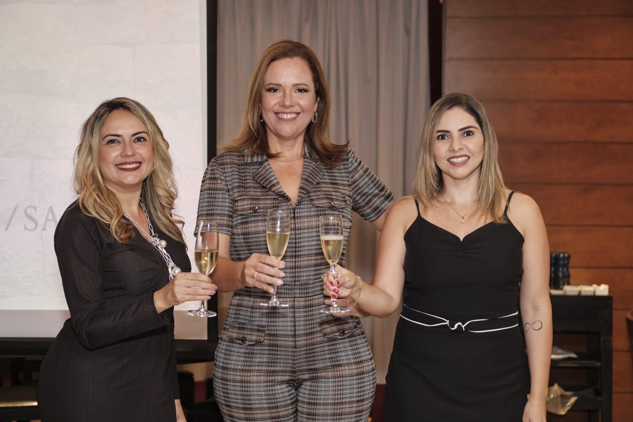 Aleteia Lopes, Mônika Vieira e Rafaelle Sobreira promovem o Pôr do Sol Empresarial no BS Design