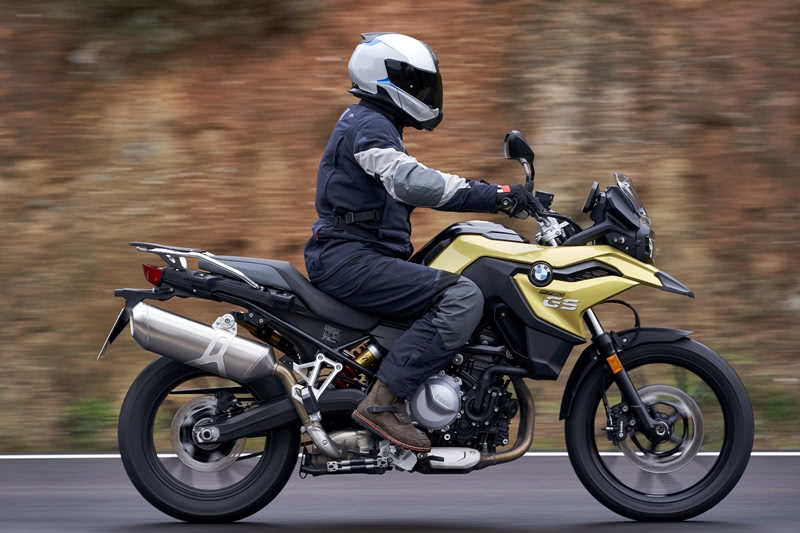Na BMW Haus, moto GS 750 sobra robustez e elegância