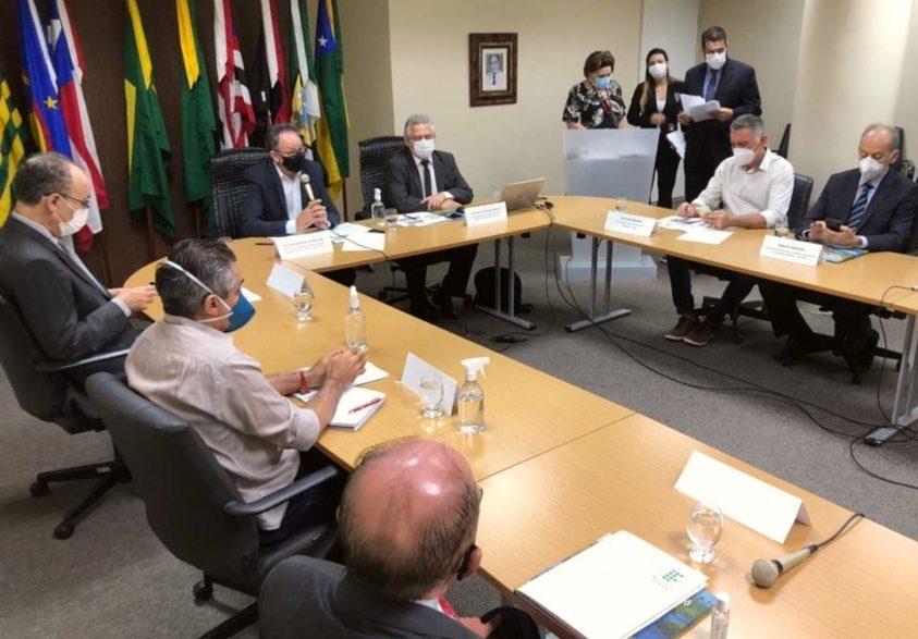 Acrísio Sena busca novas parcerias para fortalecer o desenvolvimento do Estado