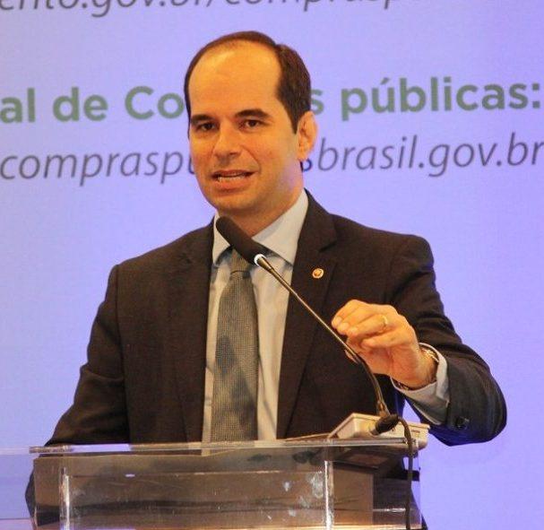 Alberto Balazeiro nomeado por Jair Bolsonaro como novo ministro do TST