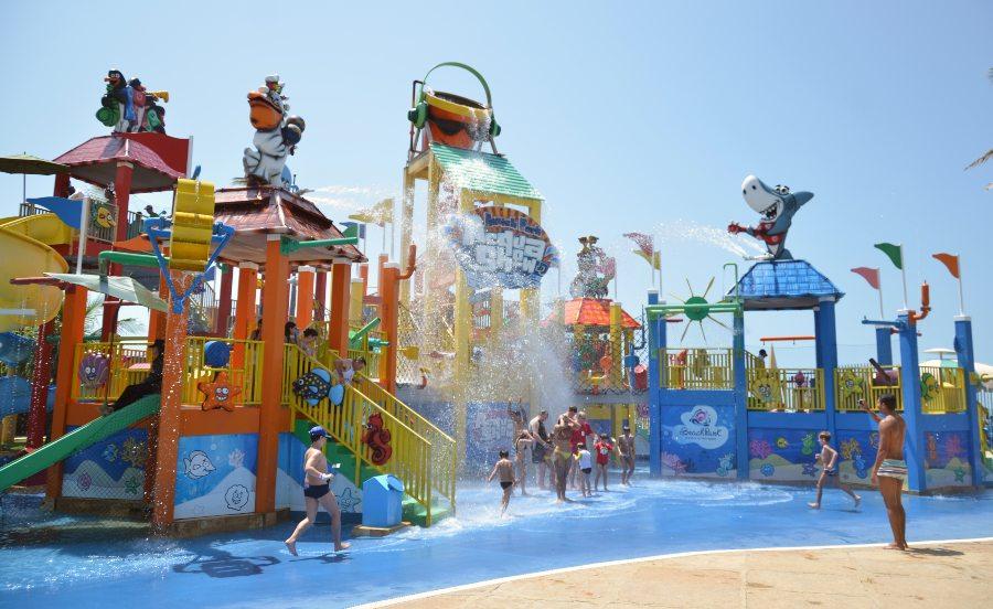 Beach Park retoma seu funcionamento diário para agitar as férias da galera