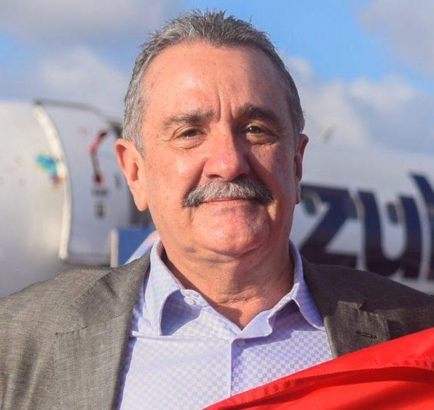 Bismarck Maia comemora as melhorias na Praia de Majorlândia e em Aracati