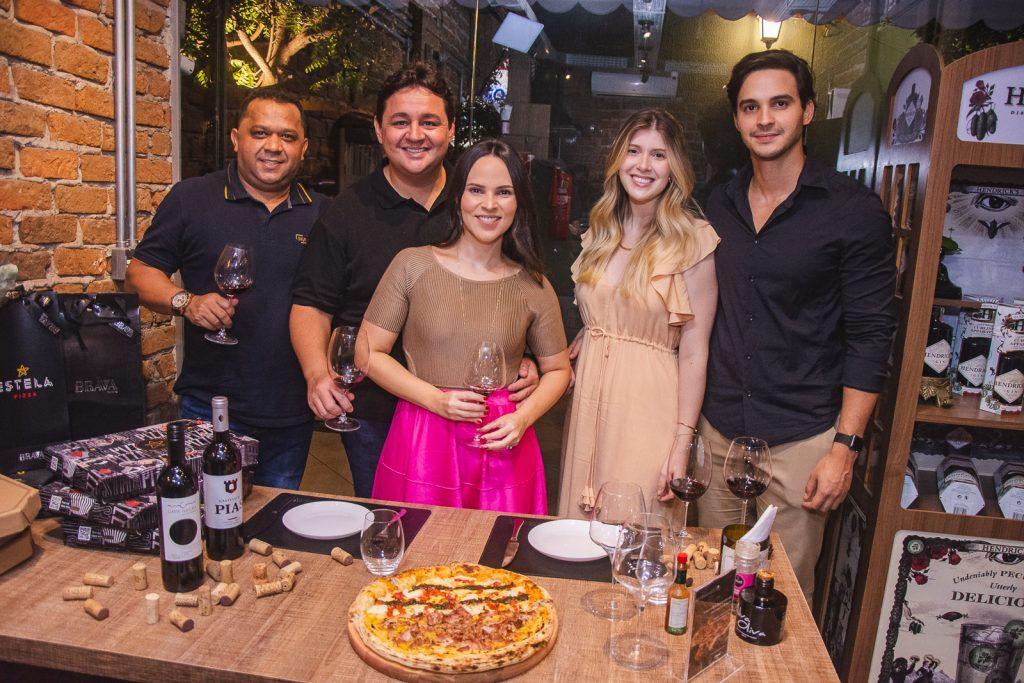 Carlos Teixeira, Marcelo Pimentel, Juliana Pimentel, Ana Laura E Gustavo Coutinho