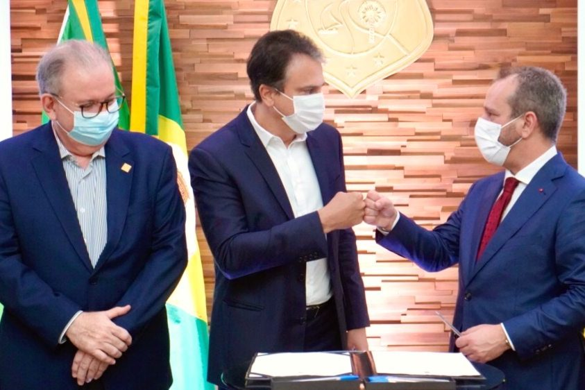 Governo do Ceará fecha parceria com empresa de comércio exterior para o CIPP