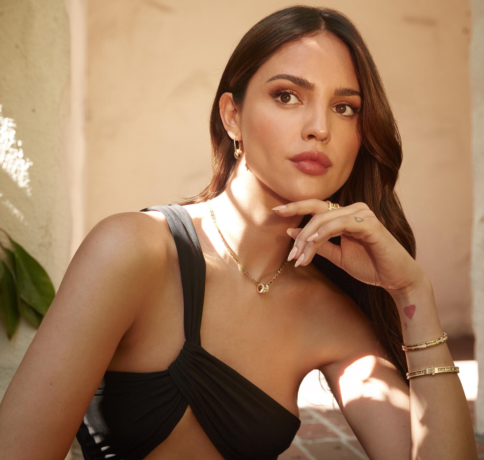Eiza Gonzalez se junta à Bvlgari como nova embaixadora da marca