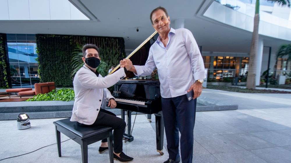Felipe Adjafre abre oficialmente a programação musical da praça BS
