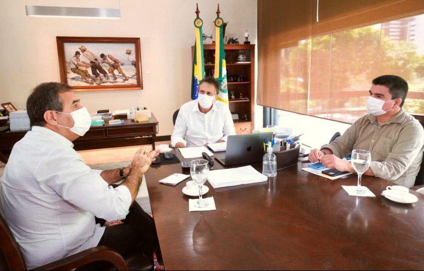 Luiz Gastão debate com Camilo Santana ações para acelerar retomada econômica