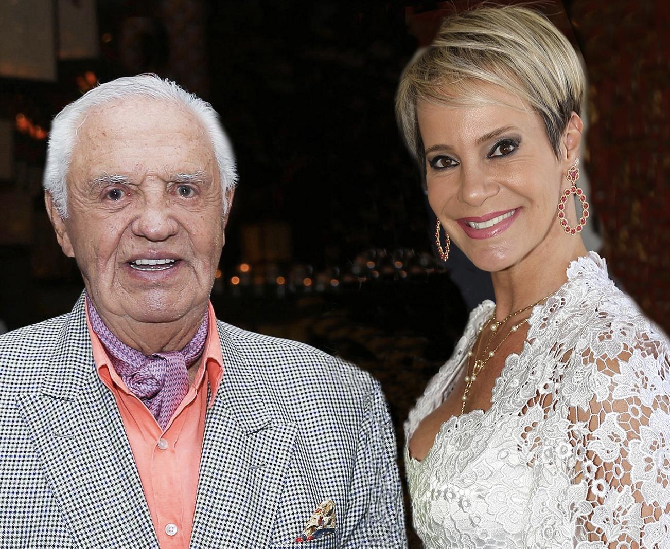 Lia Dinorah presta homenagem a Gilberto Amaral pelo seu aniversário