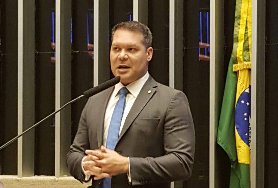 Heitor Freire passa a presidência do PSL Ceará para o deputado Capitão Wagner