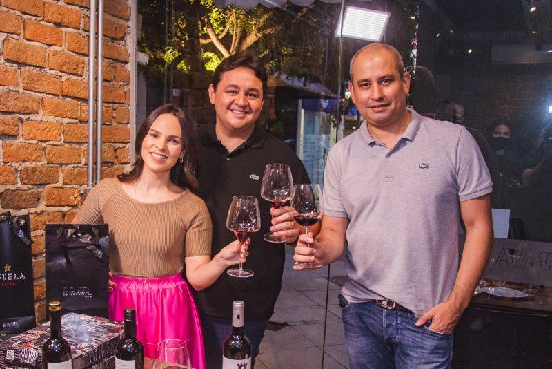 Wine O`Clock - Brava Wine e Estela Pizza lançam collab exclusiva em noite de harmonização